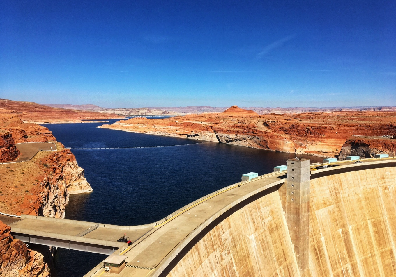 Glen Canyon Dam holding back Lake Powell
