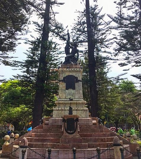 Statue Of Abdón Calderón, Parque Calderón, Cuenca, Ecuador