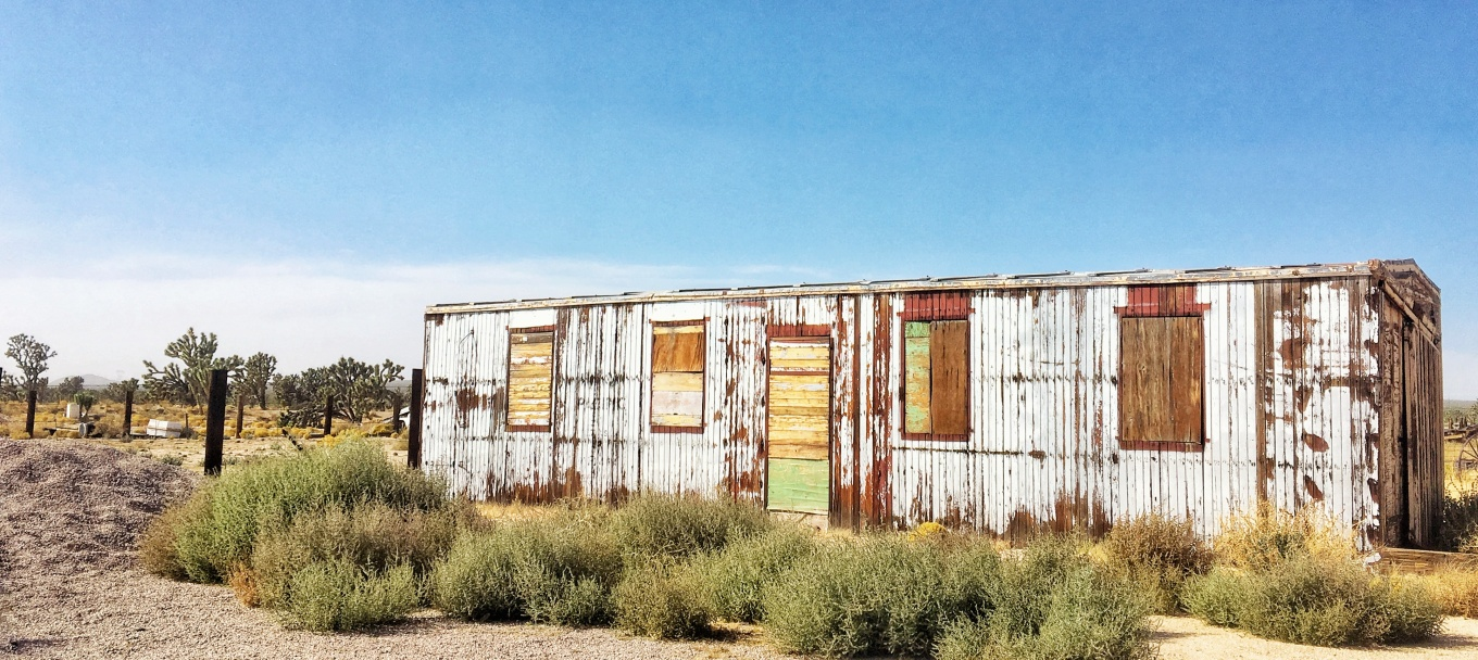 An abandoned building in the Mojave Desert