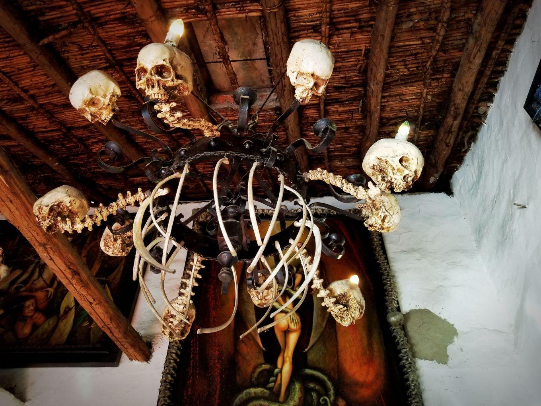 Chandelier In El Museo De Cultura Prohibida In Cuenca, Ecuador