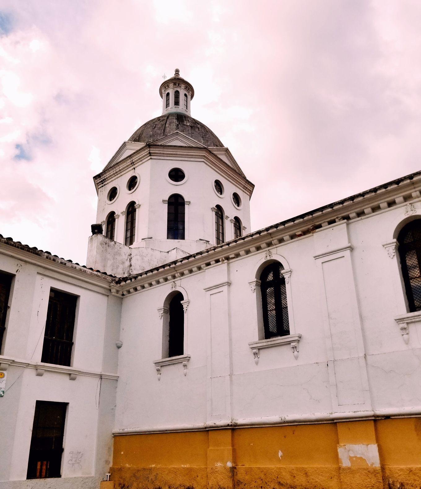 Catedral de San Sebastián, Cuenca, Ecuador