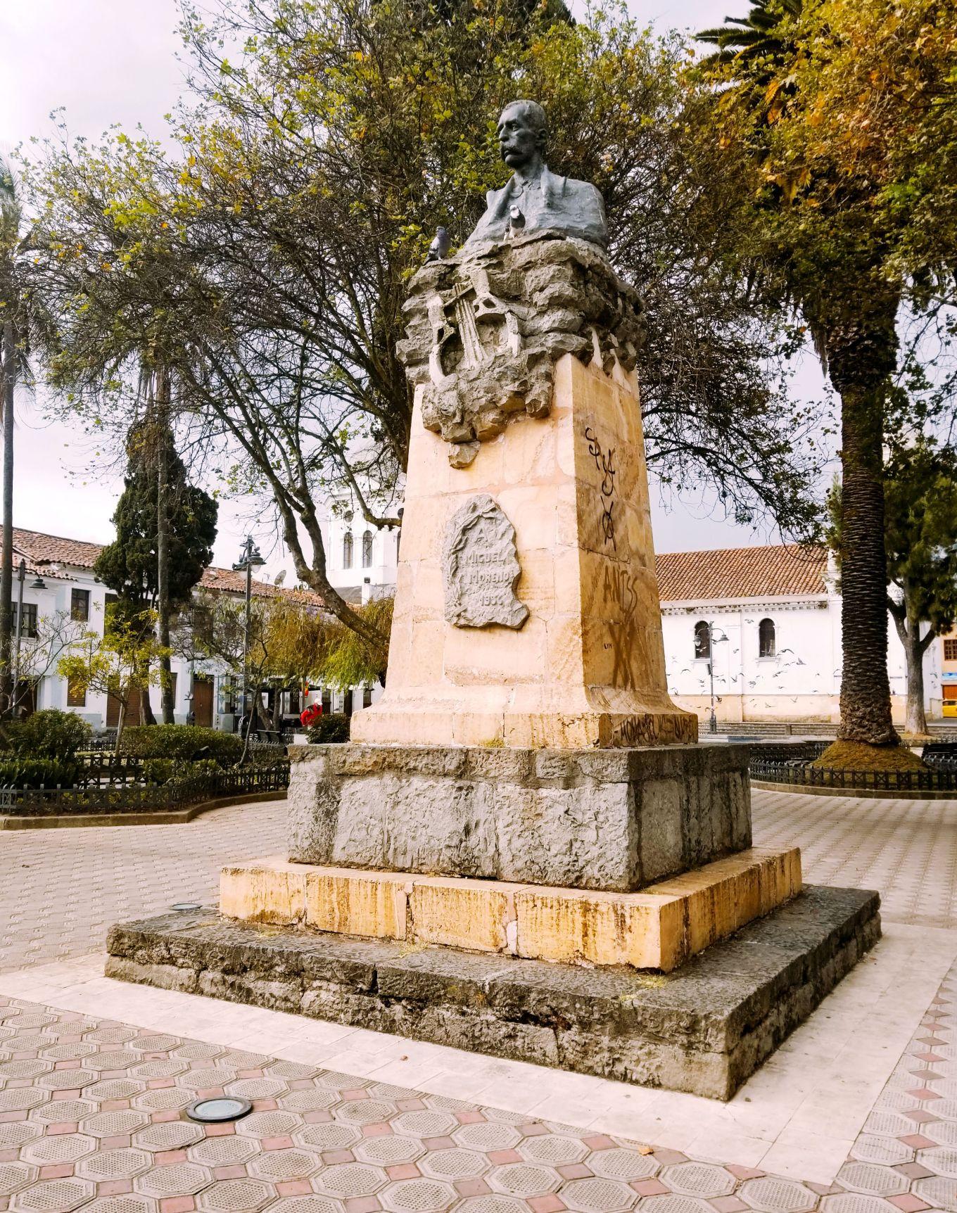 Plaza de San Sebastián, Cuenca, Ecuador