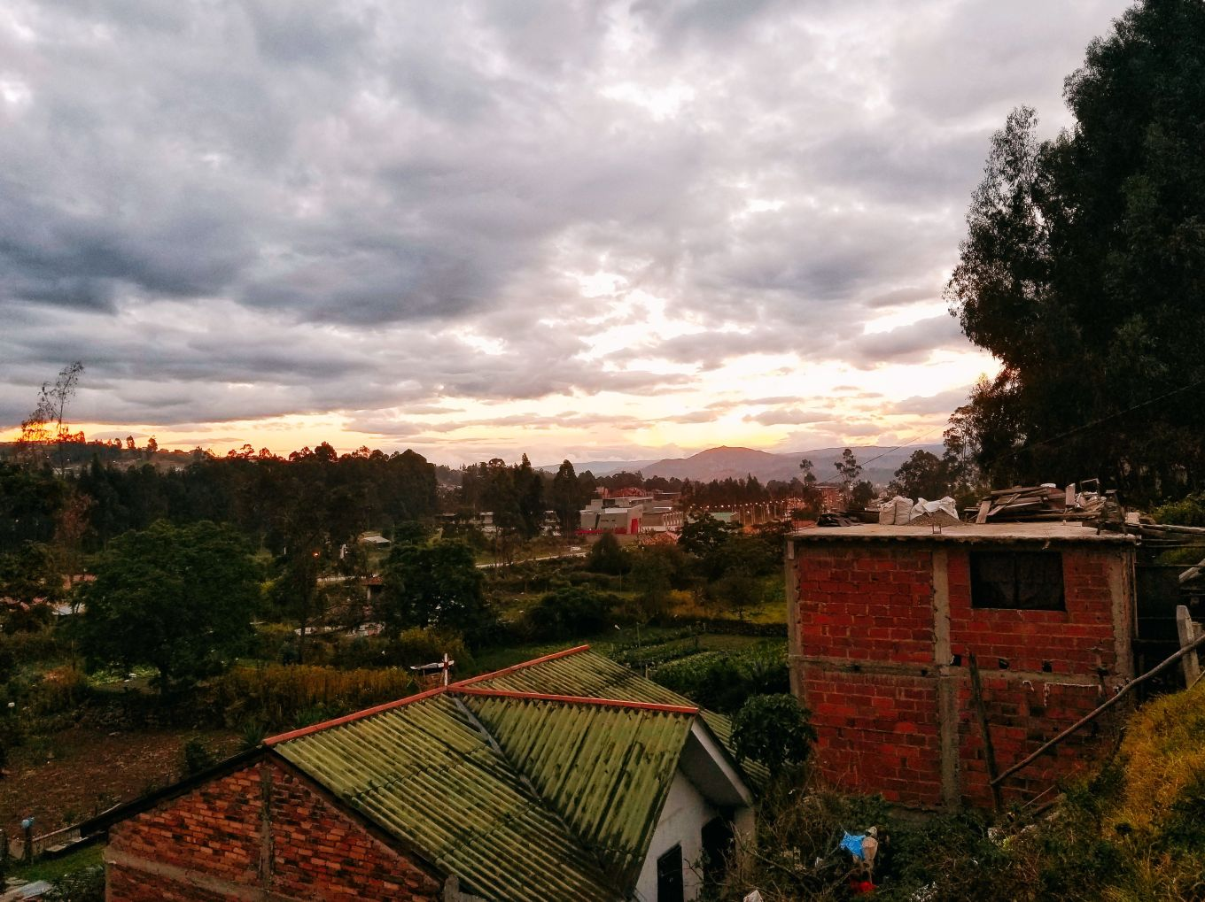 Looking out over Cuenca as the daylight dwindles