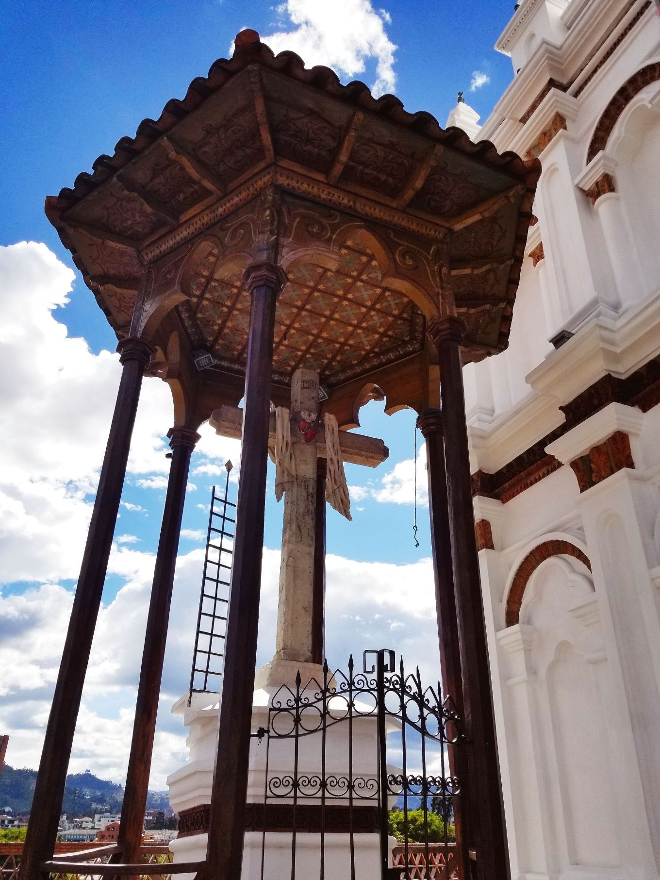 The gazebo outside La Iglesia de Todos Santos