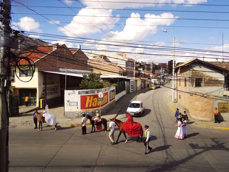 Revelers marching down Avenida General Escandón.