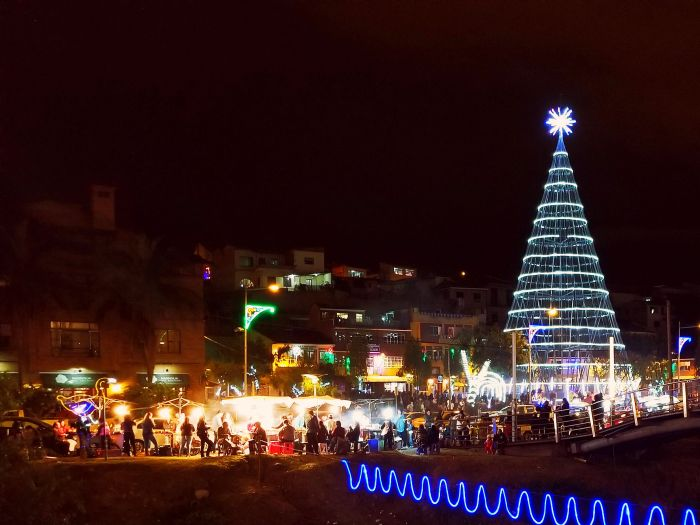 The holiday market in Plaza El Otorongo, Cuenca, Ecuador
